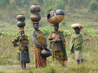 Batwa_women_in_Burundi_cropped