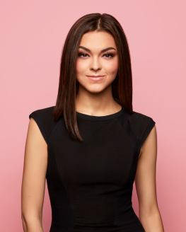 Mariya-Nurislamova-Scentbird-Deck-Scarlet